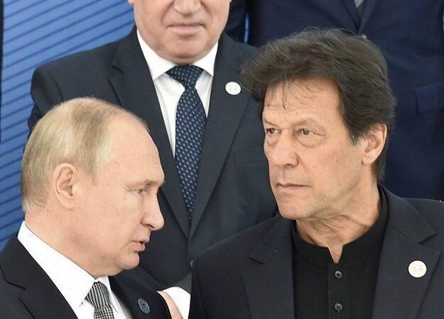 President Putin invites PM Imran for economic moot