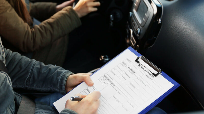 Pakistani driving license might become valid in UAE soon
