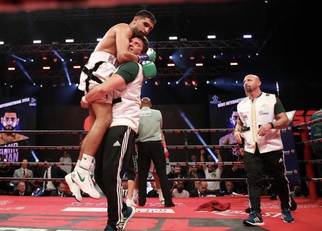 Amir Khan becomes WBC international welterweight champion