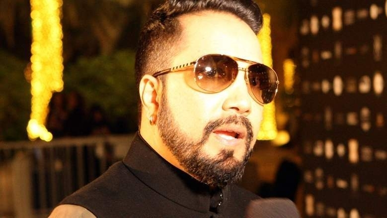 Singer Mika Singh banned for life after performing in Pakistan