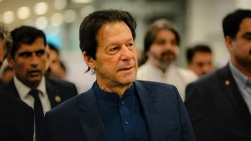 Pakistan will stand by Kashmiris even if the world doesn't: PM Imran