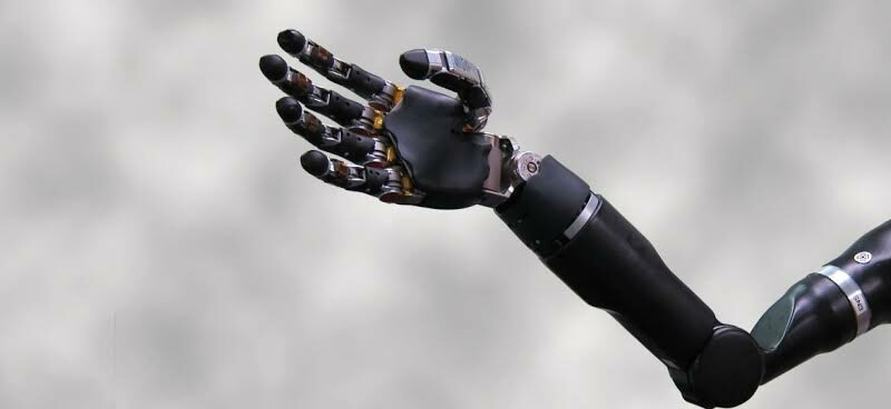 Pakistani engineers develop robotic arm controlled by brain