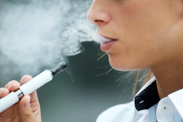 Vaping death investigators warn NO e-cigarettes are safe