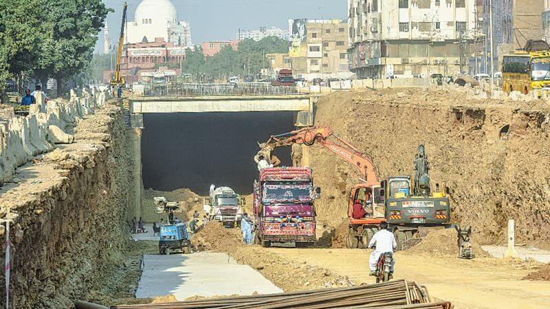 Pakistan signs $787 mn loans with World Bank, majority for Karachi uplift.