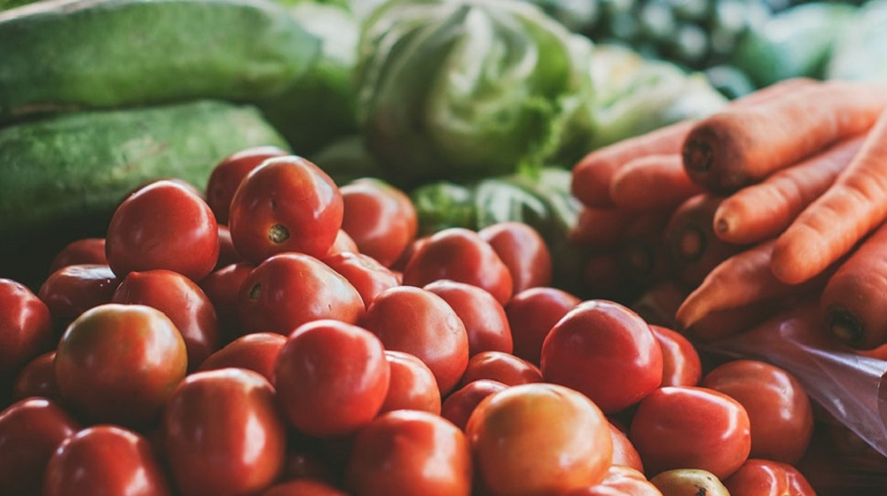 Pakistan is buying tomatoes from Iran at a price of over $1 Per Kg