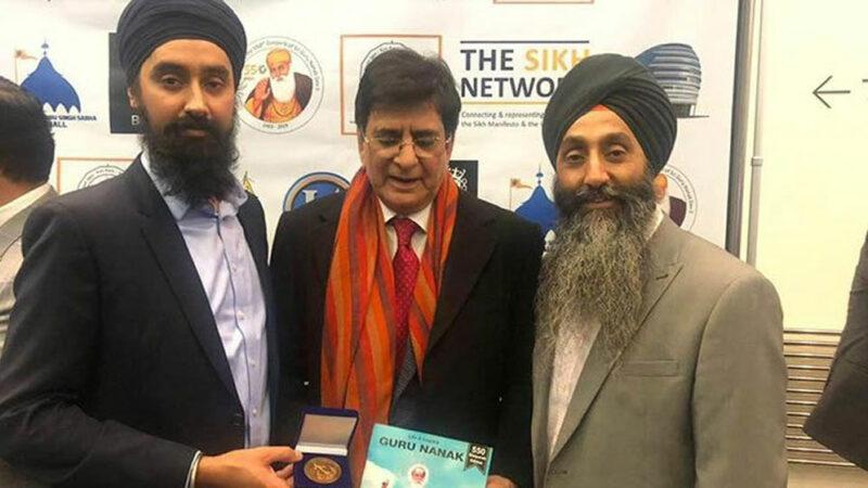 British Sikh community gives Lifetime Achievement Award to PM Khan