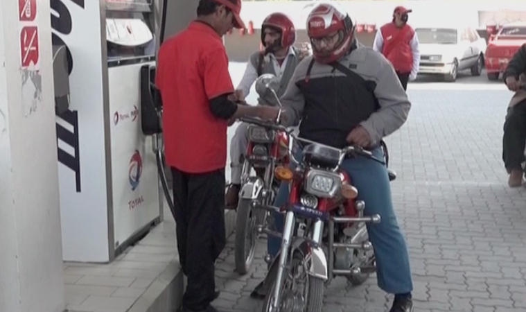 No petrol for Peshawar bikers without helmets