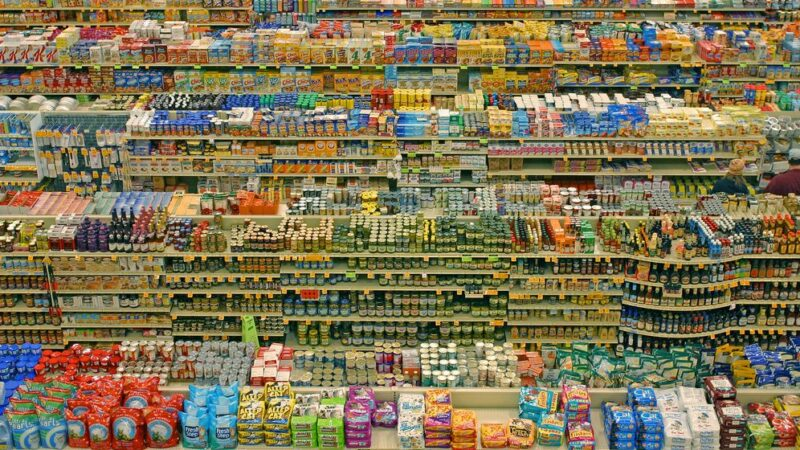 FBR chairman warns of strict action against Indian products import