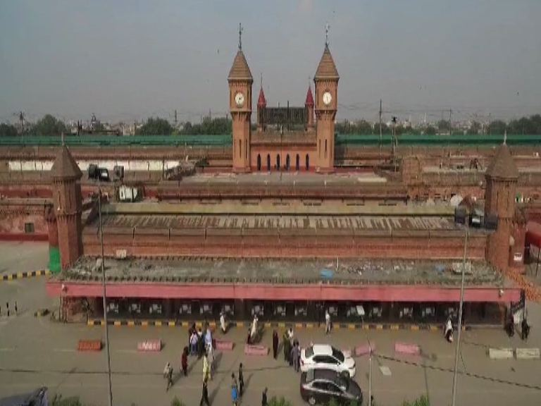 Train to take people from Lahore to Wagah for Rs30