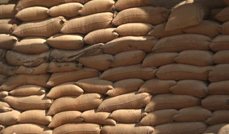 Prices of wheat and sugar soar in Karachi