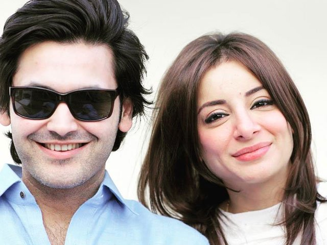 Actor Sarwat Gillani's PDA shot with husband leaves social media hysterical