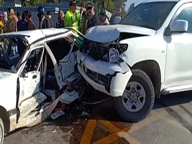American embassy SUV rams into a car in Islamabad killing one and injuring five