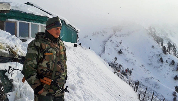 Indian soldier 'slips' on snow and lands in Pakistan: reports