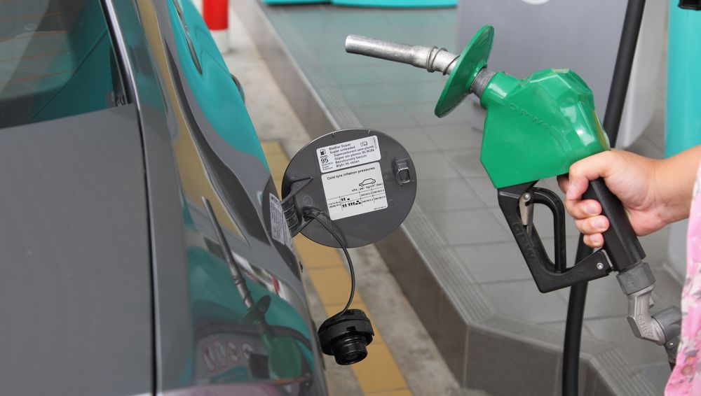 Govt increases petrol prices yet again as a new year's gift