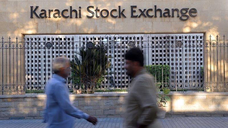 Pakistan stocks shrink as Iran-US war panic grows