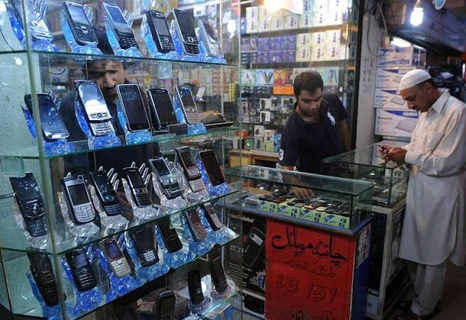 Mobile accessory prices soar in Pakistan as coronavirus grips China