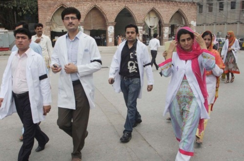 Medical college admissions halted as Lahore student approaches court