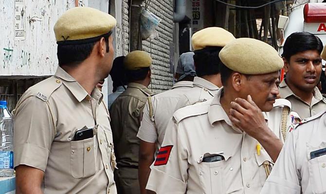 Indian man flees home quarantine nude, bites elderly woman