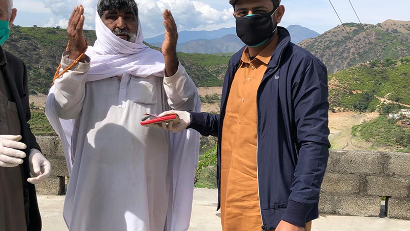 Pakistan Post starts delivering pensions to people's doorsteps