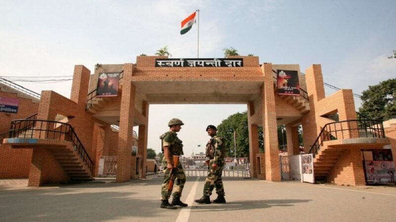IINDIAN ARMY REFUSES ENTRY TO SPORTS JOURNALISTS RETURNING FROM PAKISTAN