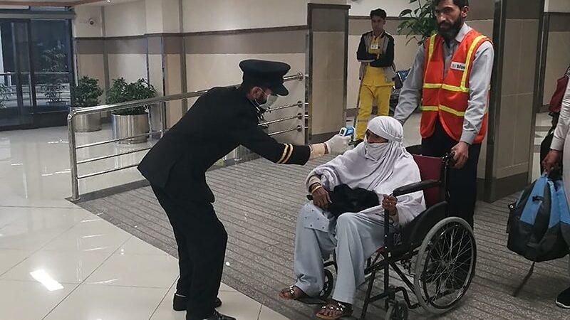 100 passengers from Abu Dhabi test coronavirus positive in Islamabad