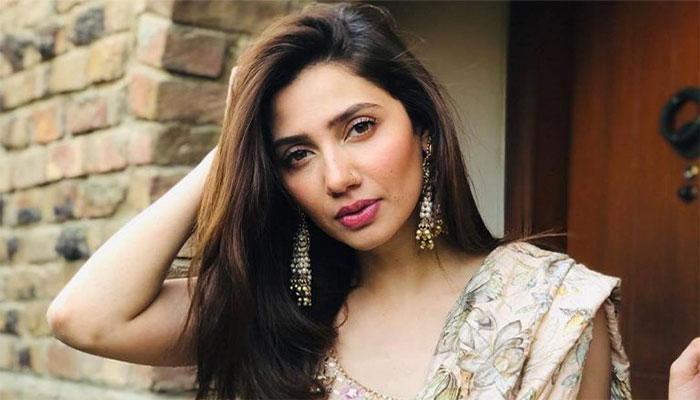 Mahira Khan confesses she is in love, calls rumored beau a 'blessing'