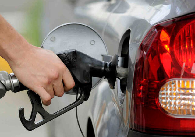 Ogra directs petrol pumps to maintain minimum 20 days supplies