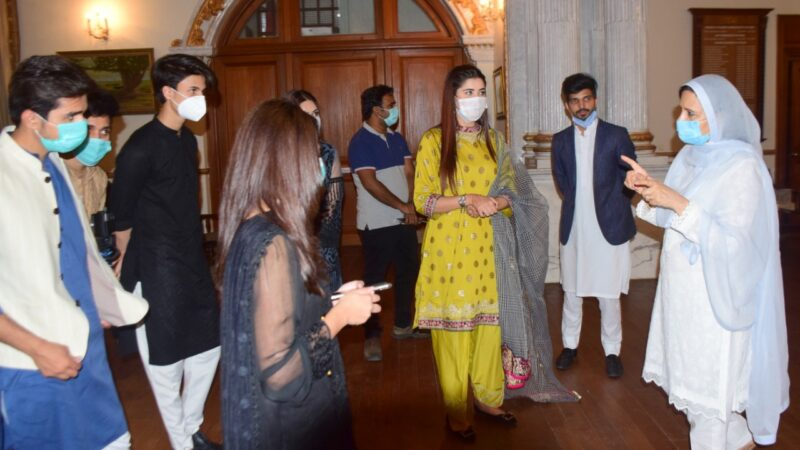 Governor Punjab invites famous Tik Tokers to create Coronavirus awareness