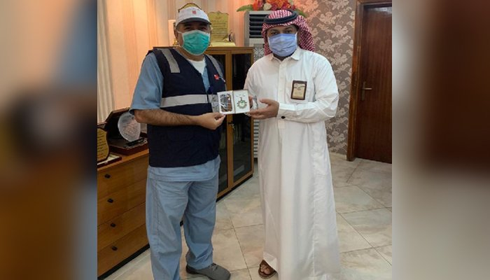 Medal awarded to Pakistani doctor in Saudi Arabia for services during pandemic