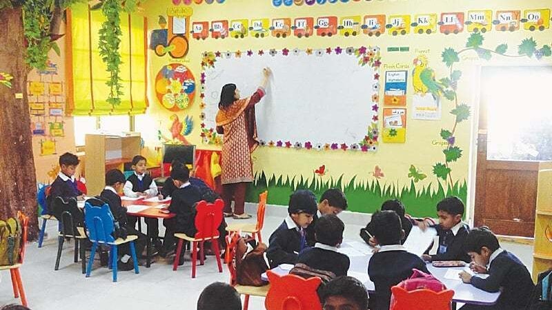 'We can make the govt fall', Private schools' association threatens govt for opposing the decision to open schools