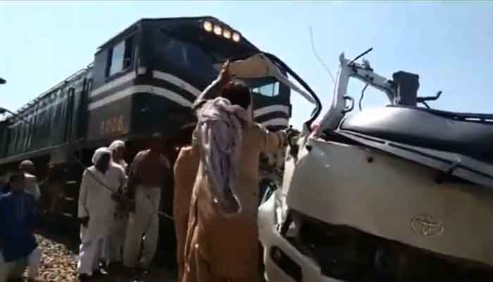 At least 19 Sikh pilgrims dead after van and train crash at Sheikhupura