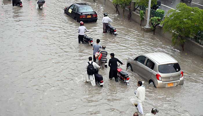 PTI government's plan to clear Karachi's nullahs, riverbeds to start in Sept
