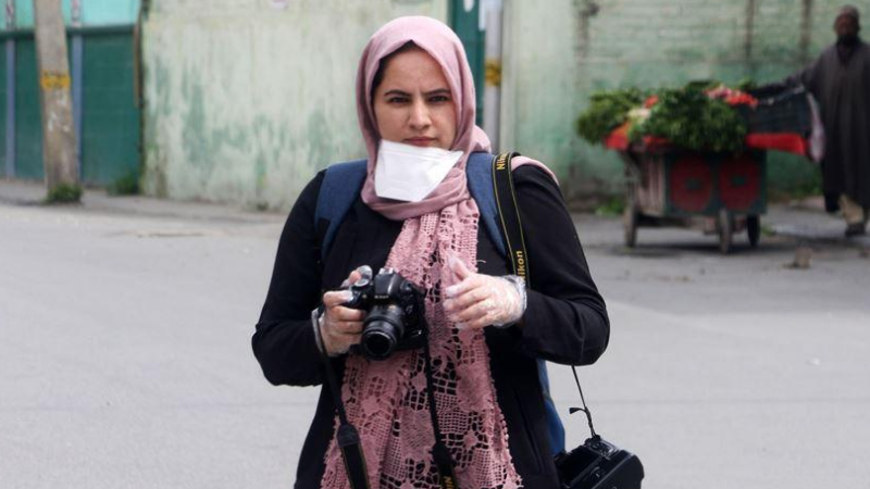 Kashmiri photojournalist wins 2020 Peter Mackler Award