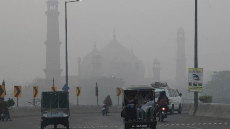 To counter smog Punjab bans vehicles emitting pollutants, burning of crops