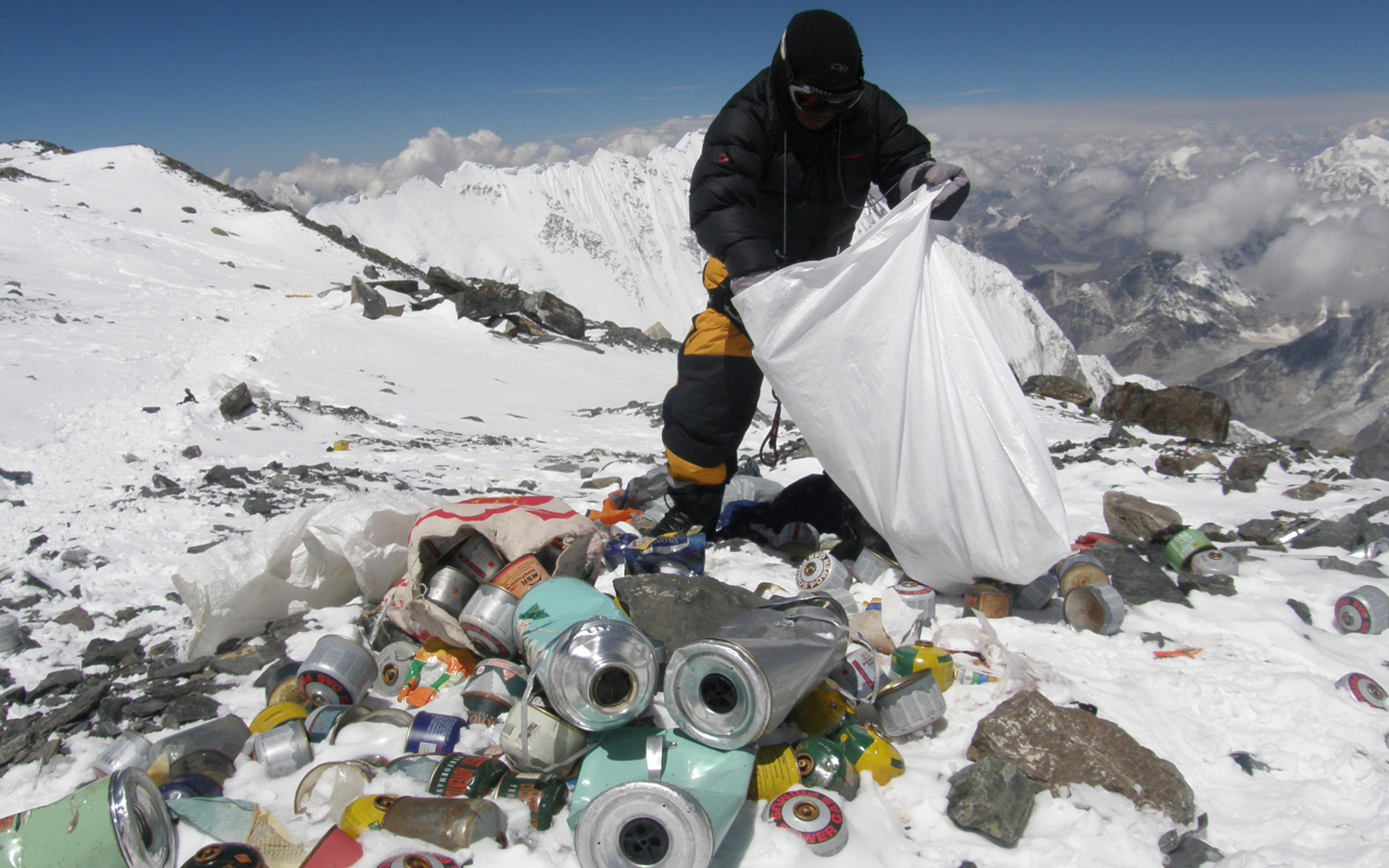 Littering haunts even the Everest: Nepal decides to make art with trash left on mount