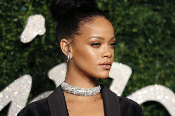 Indian extremists accuse Rihanna of taking money from Pakistan for supporting farmer's protests