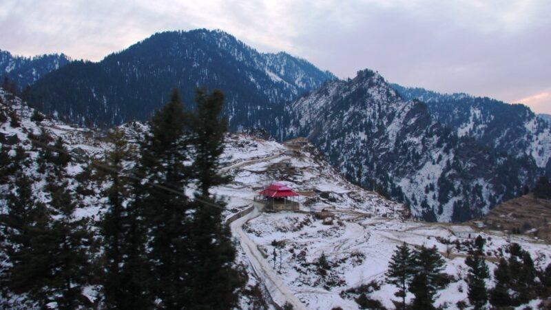 Malam Jabba ski resort closes down after orders of Peshawar High Court
