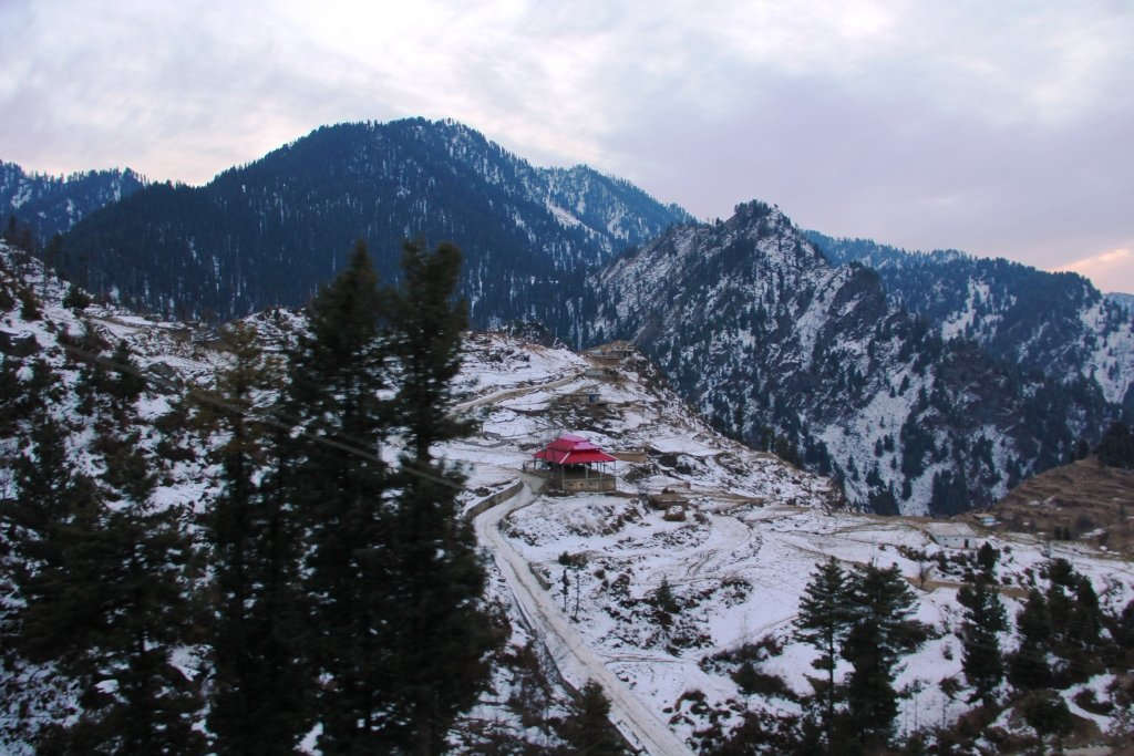 Malam Jabba ski resort closes down after orders of Peshawar High Court