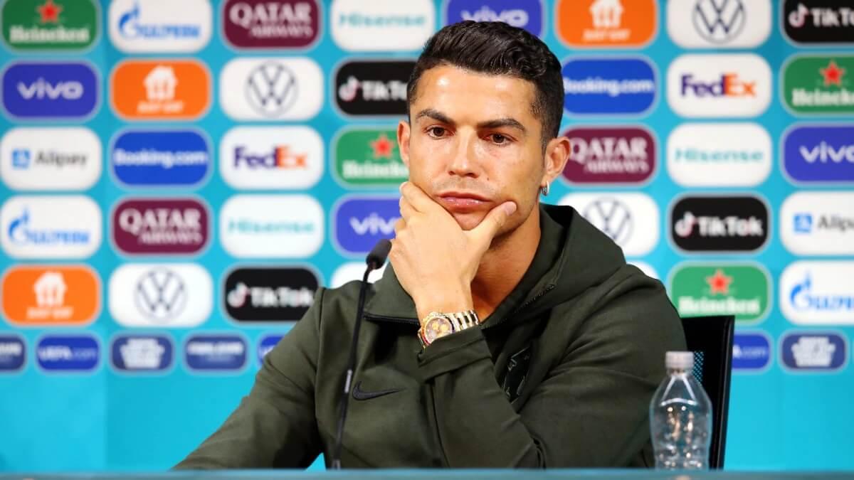 Coca-Cola loses billions after Cristiano Ronaldo ditches Coke for water