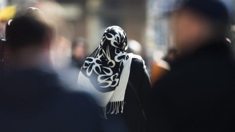 ban Muslim women from headscarves