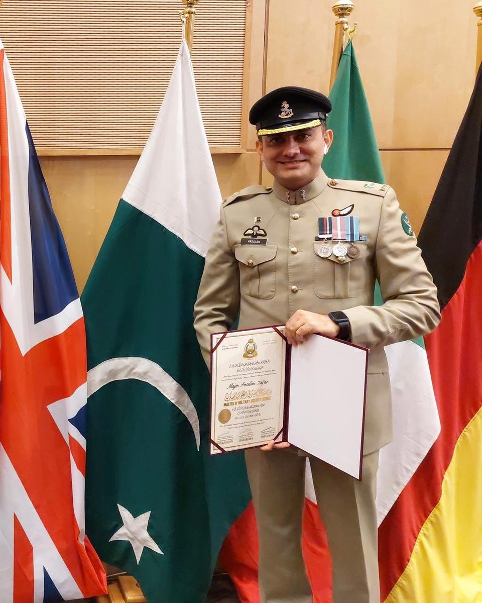 Pakistan Army Major Arsalan Zafar achieves 1st place at Joint Command and Staff College in Kuwait