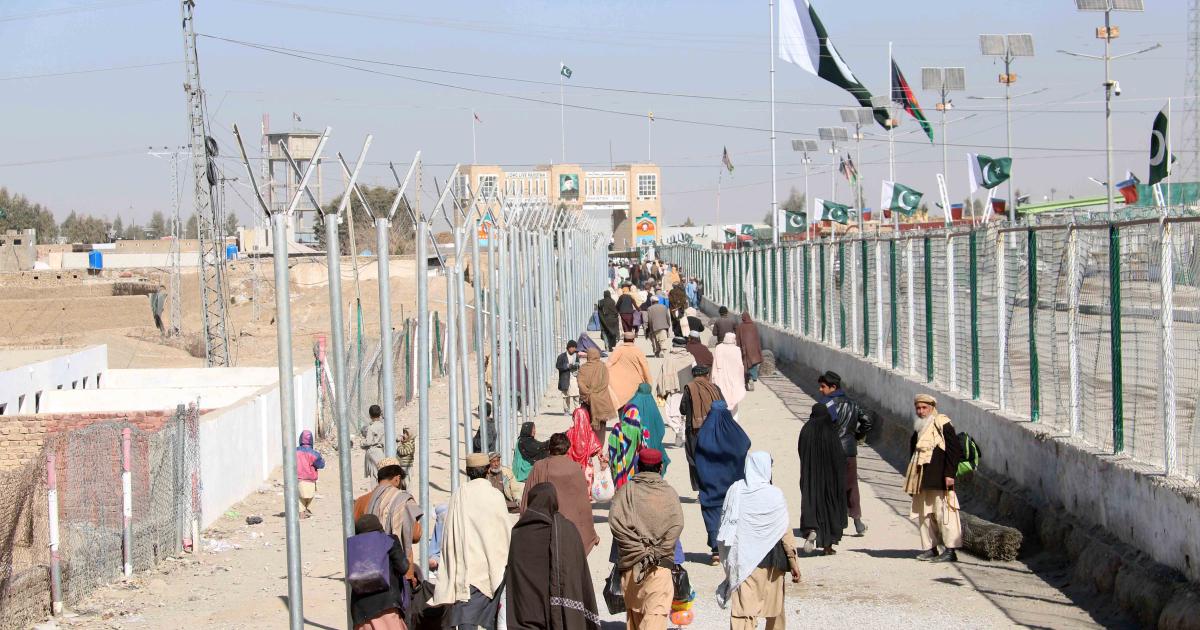 Taliban claims control over key Afghan-Pakistan border crossings