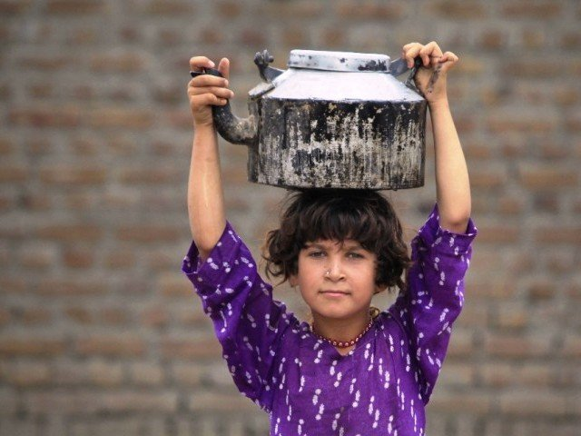 KP govt outlaws domestic employment of children under 14