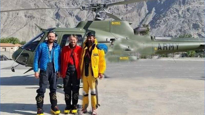 stuck mountaineers from Rakaposhi