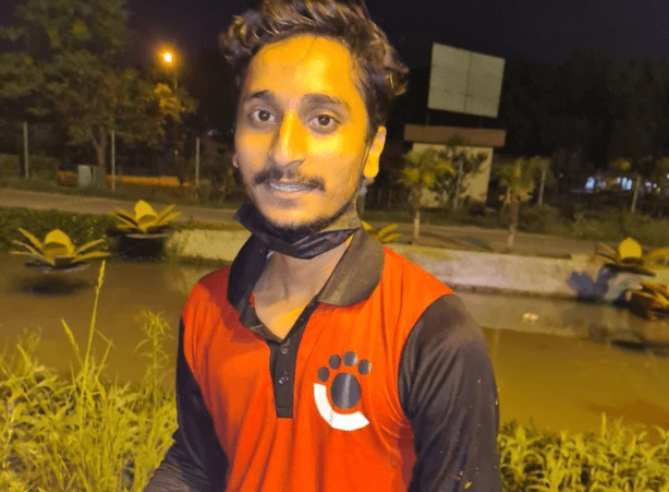 Haider Ali risked his life to save five people from a drowning car in Lahore canal