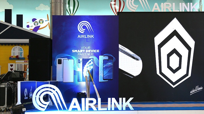 Airlink Communication raises $38.5 million in largest private IPO in Pakistan's history